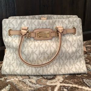 Michael Kors Signature MK Satchel (White/Creme)